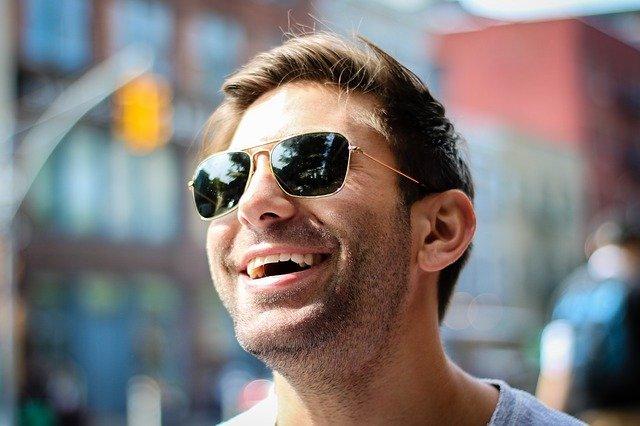 modne okulary przeciwsłoneczne męskie