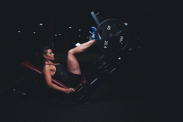 ćwiczenia na dół pleców